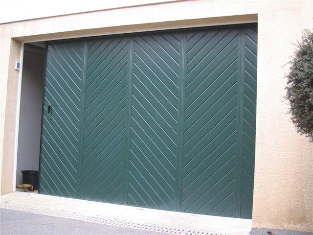 Porte de garage latérale