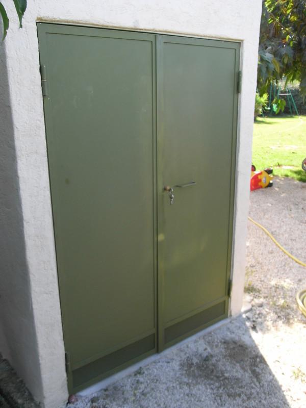 Porte double en fer